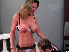 Fit babe Kayla Paige blows prison guard