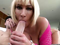 Melanie Monroe with bubbly bottom gets encircling and nasty back steamy hardcore action with hot man